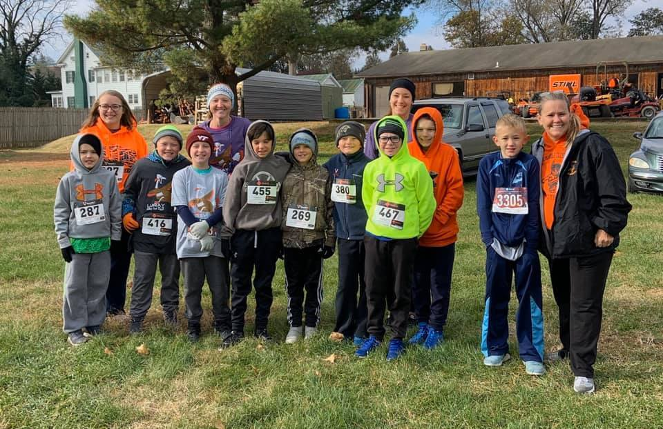 students preparing to run in annual turkey trot